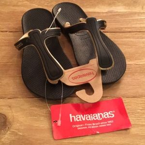 Havaianas Casuale Thong Black Gold T-Strap Flip